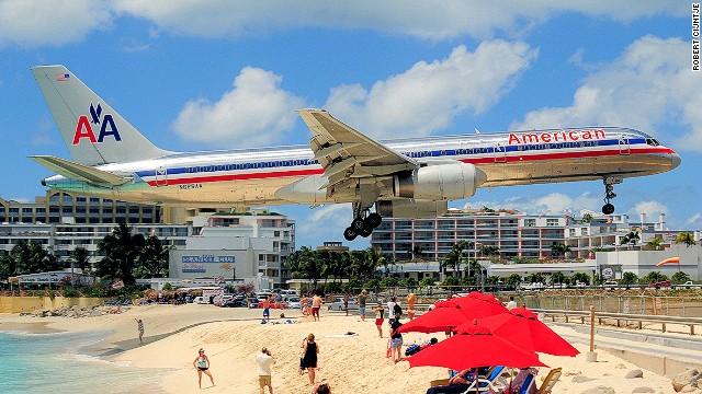 بالصور.. أغرب مطارات العالم 112