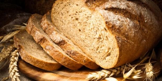 لهذه الأسباب قلّل من تناول الخبز !