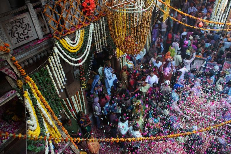 هولي : مهرجان الألوان في الهند