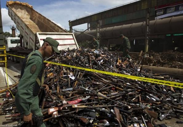 تدمير الأسلحة في فنزويلا / صور / 13547473985-2.jpg